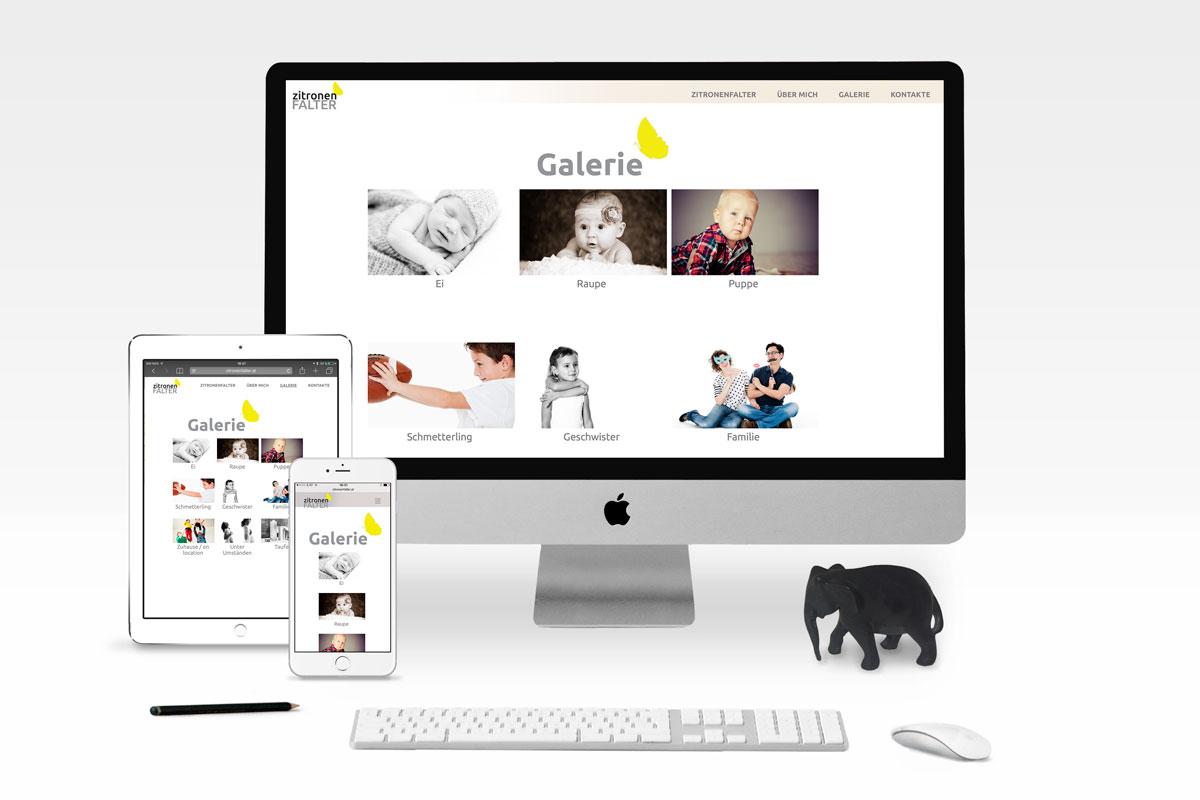 Sreeendesign für Webseite, ein Arbeitsplatz eines Grafikers, mit Monitor, iPad und iPhone.