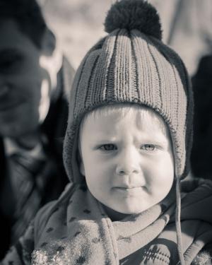 Babyfotografie, Mädchen mit Haube.